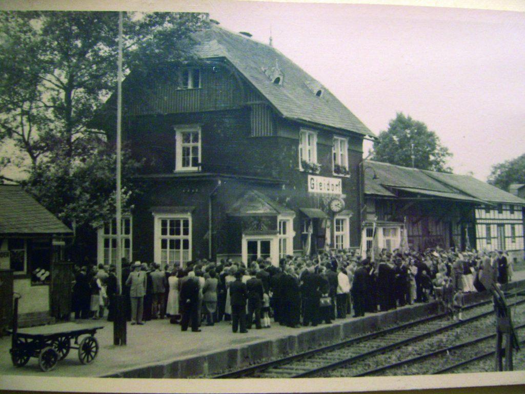 Impressionen_100J_Bahnhof_Gleidorf